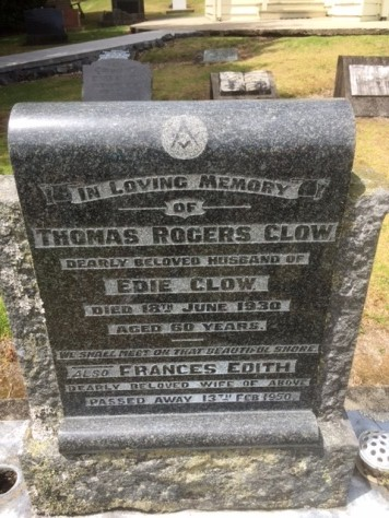 The headstone of Thomas Rogers Clow